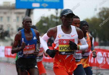 Eliud Kipchoge of Kenya (C) in action in the elite men's race during the London Marathon in London, Britain, 04 October 2020.