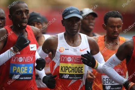 Eliud Kipchoge of Kenya (C) in action in elite men's race during the London Marathon in London, Britain, 04 October 2020.