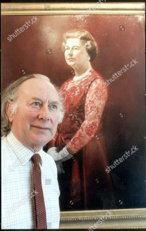 Queen Elizabeth II Paintings And Cartoons. June 1990. Picture Shows Artist John Heseltine With His Portrait Of Hm The Queen Commissioned By British Aerospace For The Fleet Air Arm.