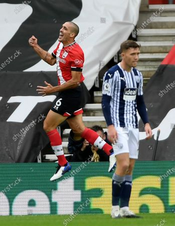 Southampton's Oriol Romeu celebrates scoring their second goal during the English Premier League soccer match between West Bromwich Albion and Southampton at St. Mary's Stadium in Southampton, England