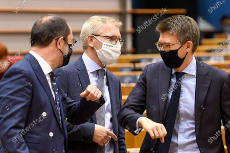 Discussion of the newly formed Belgian government declaration. vote of confidence for the Belgian government. Vincent Van Quickenborne and Gilkinet Georges and Pierre-Yves Dermagne