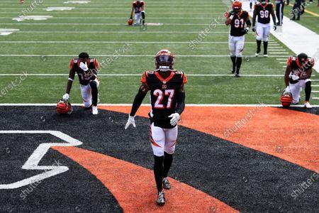Cincinnati Bengals defensive back Tony Brown (27) prior to an NFL football game against the Jacksonville Jaguars in Cincinnati, . Cincinnati won 33-25