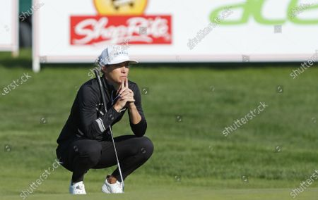 Mel Reid (England) waits to putt at the eighteenth hole during the final round of the Shoprite LPGA Classic golf tournament, in Galloway, N.J