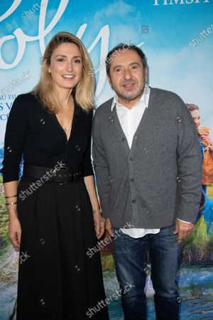 Julie Gayet and Patrick Timsit