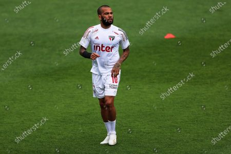 Daniel Alves of Sao Paulo, before the match