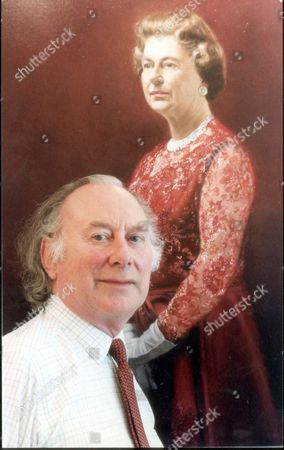 Stock Image of Queen Elizabeth II Paintings And Cartoons. June 1990. Picture Shows John Heseltine With His New Portrait Of The Queen. Commissioned By British Aerospace For The Wardroom Mess Of The Fleet Air Arm In Yeovilton Somerset. Artist John Heseltine's Aim Was To Capture The Queen Looking Regal But Without The 'trappings Of Royalty' Such As The Crown.