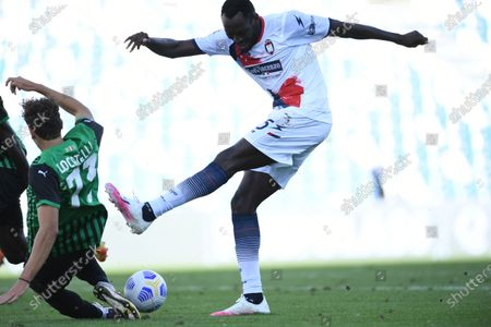 "Simy Simeon Tochukwu Nwankwo (Crotone)Manuel Locatelli (Sassuolo)           during the Italian  Serie A"" match between Sassuolo 4-1 Crotone  at  Mapei Stadium   on October 02 , 2020 in Reggio Emilia, Italy."