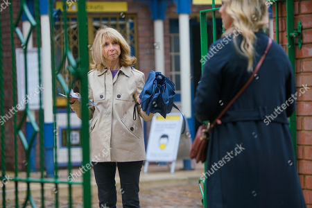 Coronation Street - Ep 10147 Wednesday 21st October 2020 - 1st Ep Gail Rodwell, as played by Helen Worth, warns Natasha Blakeman, as played by Rachel Leskovac, to keep her hands off Nick, Natasha's fuming.