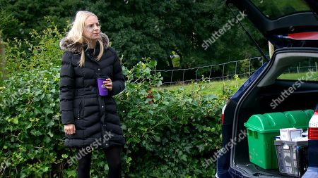 Emmerdale - Ep 8862 Thursday 15th October 2020 - 1st Ep Things soon turn nasty between Jamie Tate and Belle Dingle, as played by Eden Taylor-Draper, when out for revenge, Belle switches the contents of two vials of veterinary drugs that Jamie keeps in his car.