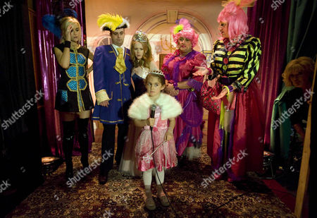The Rovers regulars come to watch the panto. Claire Peacock [Julia Haworth] as Cinderella Steve McDonald [Simon Gregson] as Prince Charming Jesse Chapman [John Thompson] and Sean Tulley [Antony Cotton] as the ugly sisters Betty Williams [Betty Driver] as the Fairy Godmother Graeme Proctor [Craig Gazey] as Buttons Becky McDonald [Katherine Kelly] as the Narrator Amy Barlow [Amber Chadwick] as Fairy/Angel
