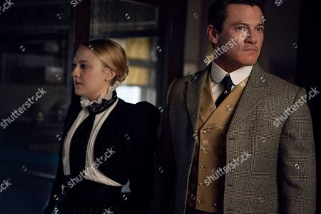 Dakota Fanning as Sara Howard and Luke Evans as John Moore