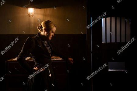 Stock Picture of Dakota Fanning as Sara Howard