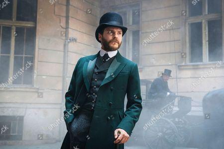 Daniel Bruhl as Laszlo Kreizler