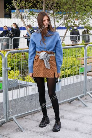 Alizee Gamberini arrives at the Louis Vuitton Spring Summer 2021 fashion show