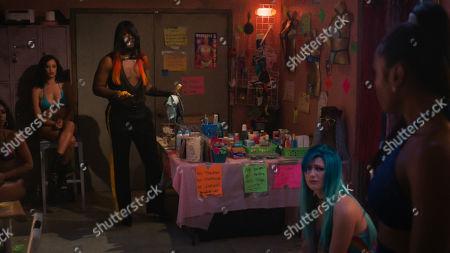 Stock Photo of Elarica Johnson as Autumn Night, Nicco Annan as Uncle Clifford, Skyler Joy as Gidget and Shannon Thornton as Miss Mississippi/Keyshawn