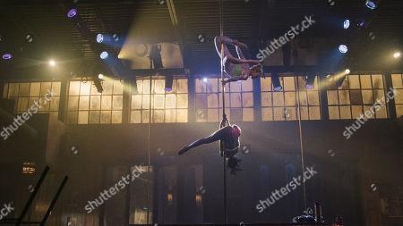 Skyler Joy as Gidget and Shannon Thornton as Miss Mississippi/Keyshawn