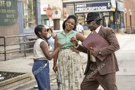 Jada Harris as Diana Freeman, Aunjanue Ellis as Hippolyta Freeman and Courtney B Vance as George Freeman