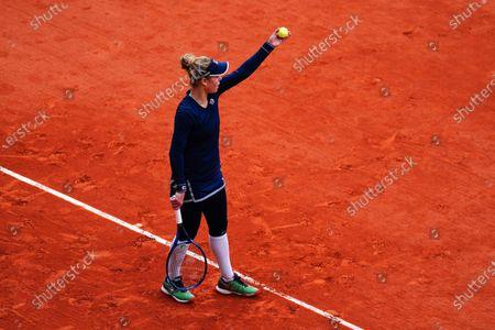 Laura Siegemund complains about her time violation warning during her Women's Singles quarter-final match