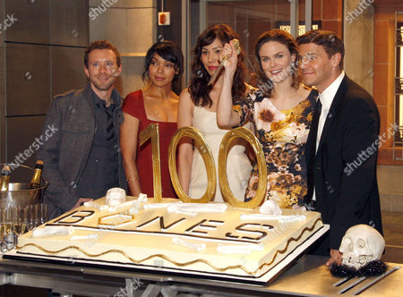 TJ Thyne, Tamara Taylor, Michaela Conlin, Emily Deschanel and David Boreanaz