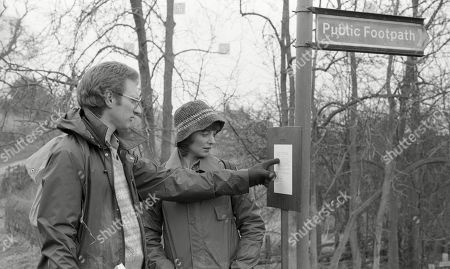 Emmerdale Farm - Ep 664 Thursday 7th May 1981  Henry attempts to master local support against the footpath diversion - and gets some surprising reactions. With Philip Haskell, as played by Stephen Boswell; Susan Haskell, as played by Wendy Allnutt.