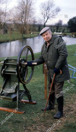Stock Photo of Emmerdale Farm - Ep 636 Thursday 29th January 1981  Sam, Joe and Henry visit a farm museum and Henry discovers a few home truths. With Sam Pearson, as played by Toke Townley.
