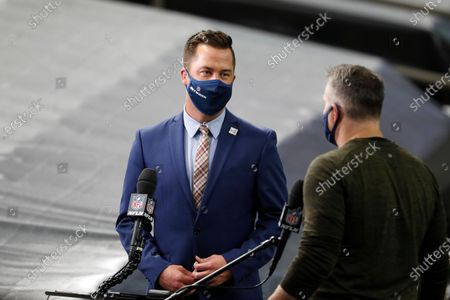 James Palmer of the NFL Network interviews Kurt Warner before an NFL football game between the Los Angeles Chargers and New Orleans Saints, in New Orleans