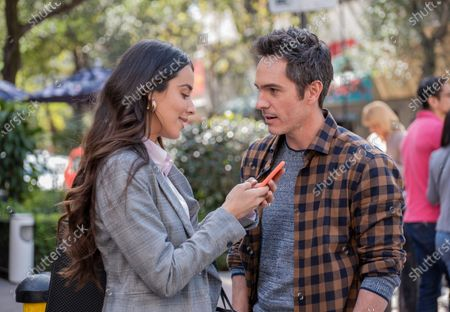 Esmeralda Pimentel and Mauricio Ochmann as Alex