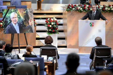 Stock Image of Former German Foreign Minister Sigmar Gabriel (R) delivers a speech during the state memorial ceremony to honor the deceased late State Premier Wolfgang Clement in Bonn, Germany, 13 October 2020.  Clement, former Prime Minister of North Rhine-Westphalia and Federal Minister of Economics and Labor, died in Bonn on 27 September 2020 at the age of 80.