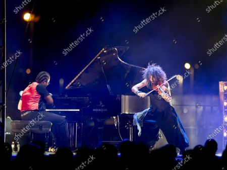 """Ara Malikian, Lebanese violinist, and Ivan """"Melon"""" Lewis, Cuban pianist, perform during the Nits al Carme concerts"""