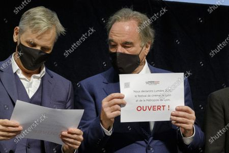 Stock Image of Viggo Mortensen and Oliver Stone