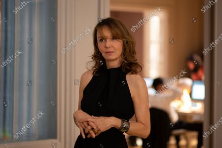 Philippine Leroy-Beaulieu as Sylvie Grateau