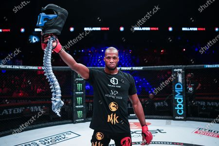 Michael Page VS ROSS HOUSTON  France has finally authorized the practice of the very famous discipline of mixed martial arts, better known as MMA and which will eventually come under the aegis of the French Boxing Federation. The international MMA organization - Bellator, one of the main players in this very popular sport in the world, makes a triumphant arrival in France with its first event on October 10, 2020 at ACCOR ARENA.