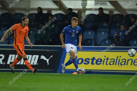 """Nicolo Barella (Italy)Daley Blind (Netherlands)                       during the Uefa """"Nations League 2020-2021"""" match between Italy 1-1 Neterlands   at Gewiss Stadium in Bergamo, Italy."""