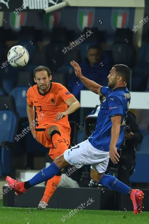 """Daley Blind (Netherlands)Danilo D Ambrosio (Italy)                       during the Uefa """"Nations League 2020-2021"""" match between Italy 1-1 Neterlands   at Gewiss Stadium in Bergamo, Italy."""