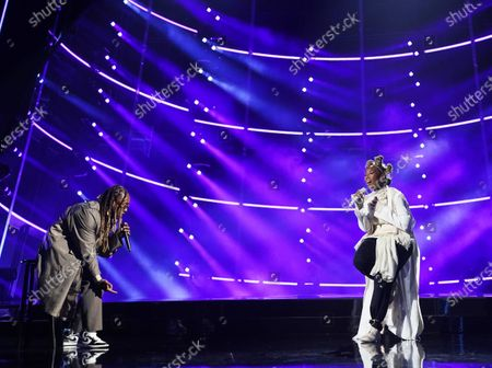Ty Dolla Sign and Brandy perform during the 2020 Billboard Music Awards held at the Dolby Theatre in Hollywood, CA. (Andrew Gombert / Los Angeles Times)