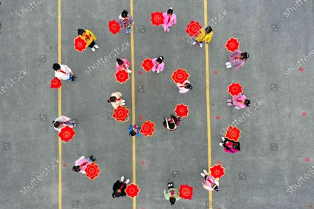 Children are playing the Chinese traditional sports