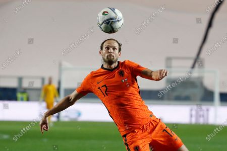 Stock Image of Netherlands' Daley Blind controls the ball during the UEFA Nations League soccer match between Italy and Netherlands at Azzurri d'Italia stadium in Bergamo, Italy