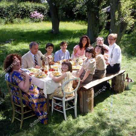 Series 1 Picture shows - David Jason as Pop Larkin, Pam Ferris as Ma Larkin, Catherine Zeta Jones as Mariette and Philip Franks as Charley and the children - twins Petunia and Zinnia played by Christina and Katherine Giles, Julie Davies as Primrose, and the youngest daughter, Victoria, played by Stephanie Ralph with and Ian Tucker as Montgomery. Moray Watson as Brigadier