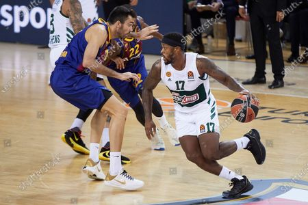 FC Barcelona Lassa's Pierre Oriola (L) in action against Panathinaikos' Marcus Foster (R) during a Euroleague basketball match between FC Barcelona Lassa and Panathinaikos at Palau Blaugrana in Barcelona, Catalonia, north eastern Spain, 15 October 2020.