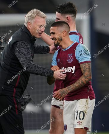 West Ham manager David Moyes congratulates Manuel Lanzini