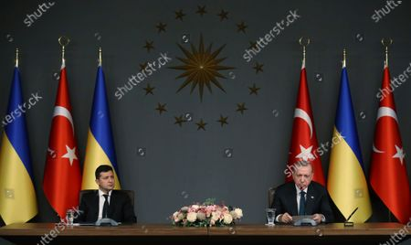 Turkish President Recep Tayyip Erdogan, right, and Ukrainian President Volodymyr Zelenskiy speak during a joint news conference following their talks, in Istanbul, . President Zelenskiy is in Istanbul for a one-day working visit
