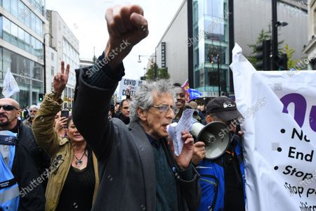 Piers Corbyn speaks during a Standupx protest against coronavirus lockdown restrictions in Oxford Street