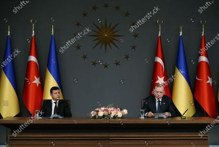 Turkish President Recep Tayyip Erdogan (R) and Ukrainian President Volodymyr Zelensky attend a joint press conference in Istanbul, Turkey, on Oct. 16, 2020. Erdogan and Zelensky on Friday pledged to enhance cooperation in a wide range of areas amid the COVID-19 pandemic.