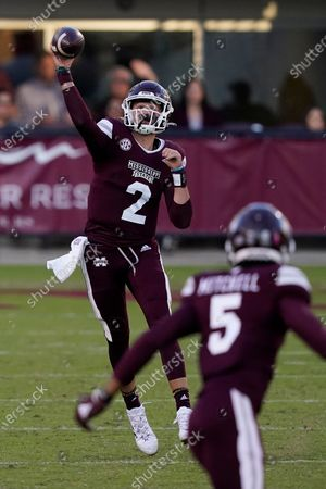 Mississippi State quarterback Will Rogers (2) passes to wide receiver Osirus Mitchell (5) during the second half of an NCAA college football game against Texas A&M in Starkville, Miss