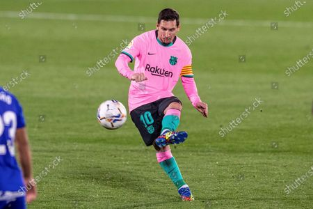 FC Barcelona's Lionel Messi in action during the Spanish La Liga soccer match between Getafe CF and FC Barcelona at Antonio Perez Coliseum in Getafe, near Madrid, Spain, 17 October 2020.