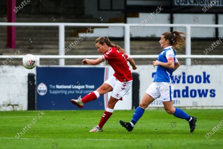 Charlie Wellings of Bristol City Women volleys the ball on an attempt on goal- Mandatory by-line: Will Cooper/JMP