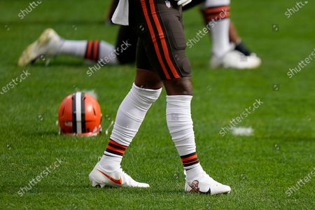 Detailed view of the Nike cleats worn by Cleveland Browns wide receiver Jarvis Landry (80) honoring rapper Mac Miller before an NFL football game against the Pittsburgh Steelers, in Pittsburgh