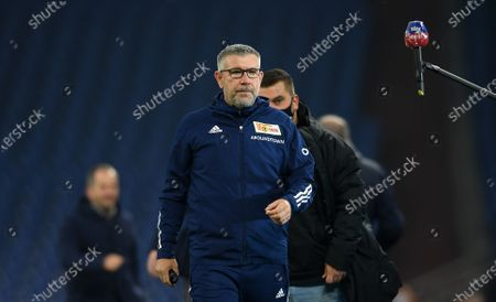 Urs Fischer, Head Coach of 1.FC Union Berlin prior to the German Bundesliga match between FC Schalke 04 and 1. FC Union Berlin at Veltins-Arena in Gelsenkirchen, Germany, 18 October 2020. A limited number of spectators (300) will be in attendance as Covid-19 pandemic restrictions are eased in Gelsenkirchen.