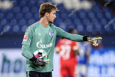Schalke's goalkeeper Frederik Ronnow reacts during the German Bundesliga soccer match between FC Schalke 04 and FC Union Berlin in Gelsenkirchen, Germany, 18 October 2020.