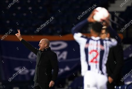 Burnley manager Sean Dyche (L) reacts during the English Premier League soccer match between West Bromwich Albion and Burnley FC in West Bromwich, Britain, 19 October 2020.